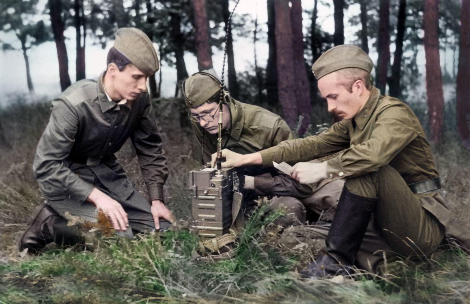 Группа советских военных, заброшенных в тыл врага